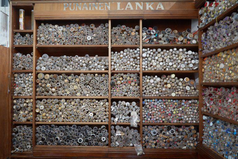 Raija_Lehtinen_Punainen_Lanka_entrepreneurs_of_finland hakaniemi market hall store